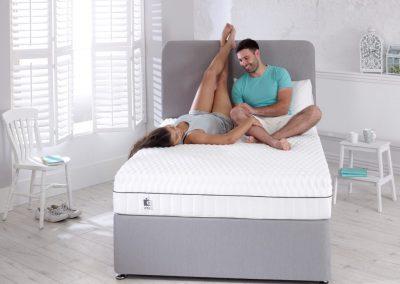 Uno Breathe mattress lifestyle couple no box hi res_2